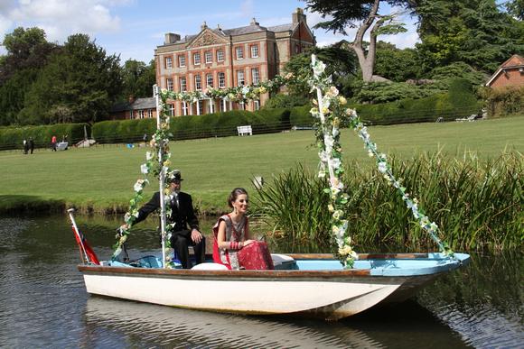 Bespoke Wedding Photography by Salisbury-based Simon Ward Photography